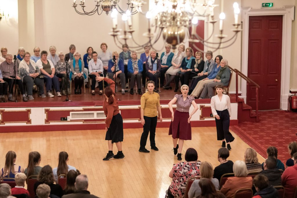 alice performing community cast